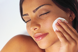 Collagen offers a range of benefits to the skin and the healing of wounds.
